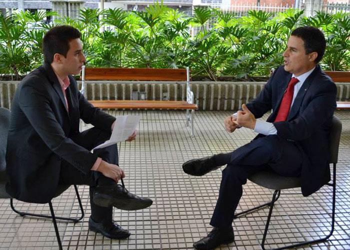 """""""¿Usted se ha preocupado más por hacer ver bien a Medellín en el exterior que por la seguridad de la ciudad?"""""""