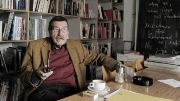 Sus libros más conocidos en Occidente son El tambor de hojalata (1959), El gato y el ratón (1961) y Años de perro (1963).