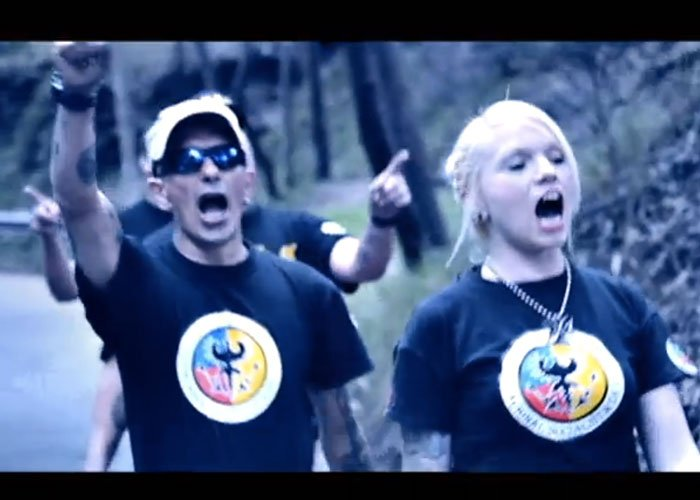 Revelador video que usan los neonazis para atraer jovenes al movimiento