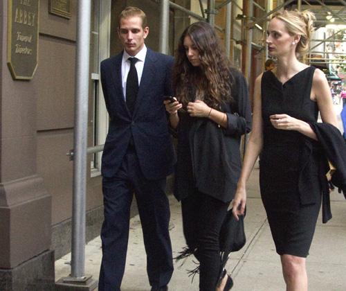 Tatiana Santodomingo estuvo acompañada de su prometido Andrea Casiraghi