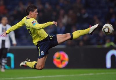 Colombiano James podría perderse partido de octavos ante Inglaterra