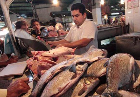 Venezolanos prefieren vender su pescado en Colombia