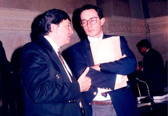 """""""A Uribe le hice una fuerte oposición en el Congreso y me opuse a las Convivir"""": Fabio Valencia Cossio"""