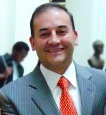 Carlos Baena, el senador cristiano que le quiere dar la mano a las prostitutas