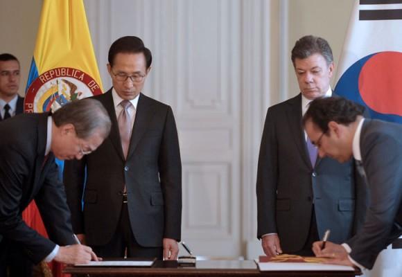 Es iluso e ilógico firmar un TLC con Corea