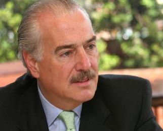 Andrés Pastrana entra al mundo de los abogados