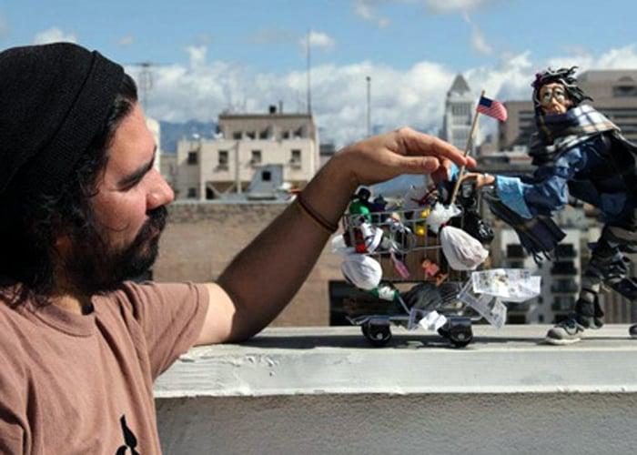 El hombre que explica con plastilina lo que está pasando en Colombia