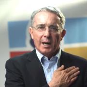 Uribe pensó con el deseo y armó su propia fórmula presidencial