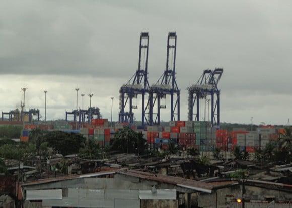 Pobreza y puerto