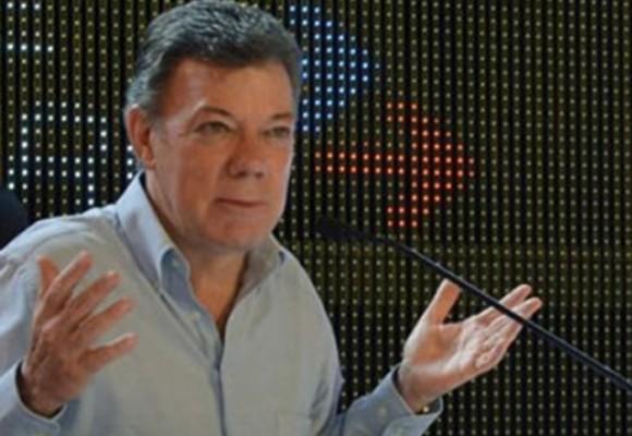 Santos anuncia reforma para abolir reelección