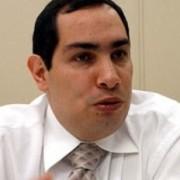 Todos los candidatos quieren la asesoría de César Caballero