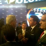 La rebelión de los candidatos contra el moderador Luis Carlos Vélez