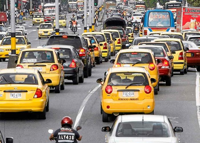 Taxistas en Bogotá ni hacen ni dejan hacer