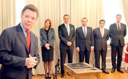 Chica en la plantilla del gobierno de Juan Manuel Santos