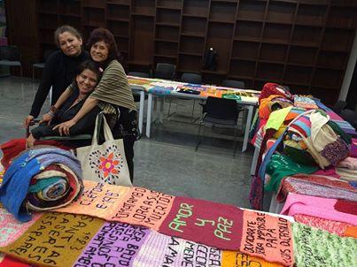 s tejidos de Luz Marina y otras víctimas componen la exposición 'El Costurero de la Memoria', presentada con frecuencia en distintos lugares.