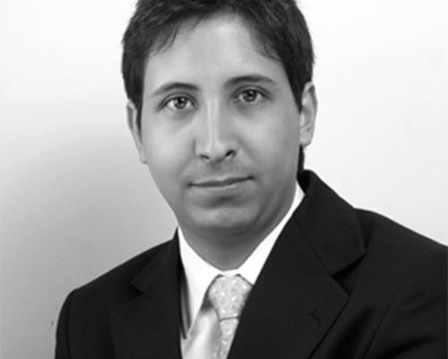 ¿Quién es el abogado defensor de Santiago Uribe?