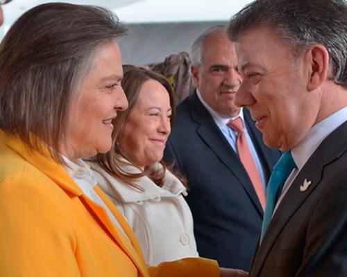 Clara López no aceptará ministerio y pide ajustes al proceso de paz