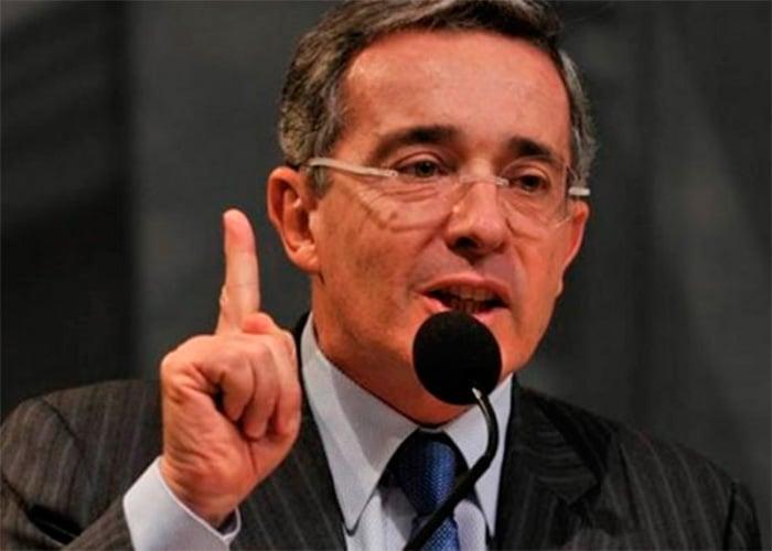 ¿Por qué Uribe debe ser investigado por la justicia internacional?