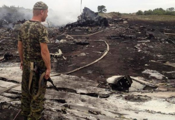 295 inocentes mueren tras derribo de avión en Ucrania