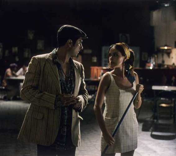 Apasionado por el mundo de los narcos y la ilegalidad Marlon co-protagoniza 'El rey'. En la foto aparece junto a Cristina Umaña.