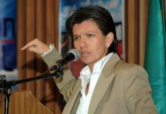 La furia de Claudia López contra tuitera