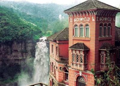 Este hotel en el Salto de Tequendama se volvió el lugar de los suicidas como si el abismo los invitara a lanzarse
