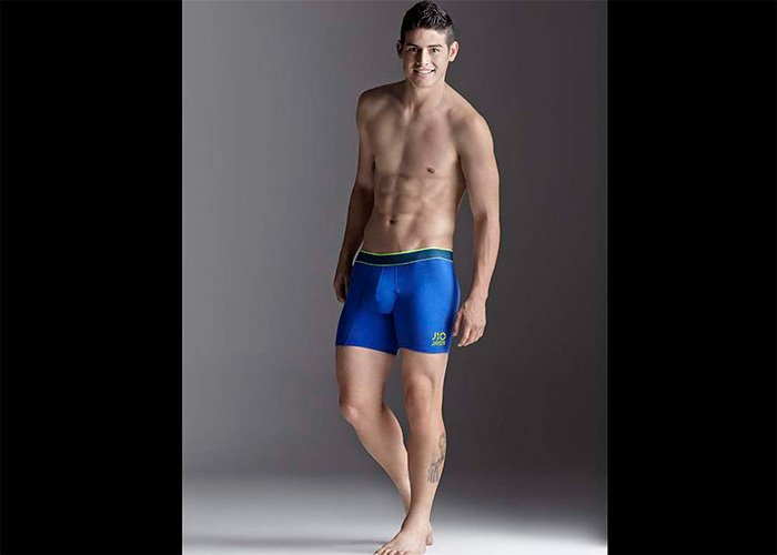 Video: James Rodríguez, modelo de ropa interior