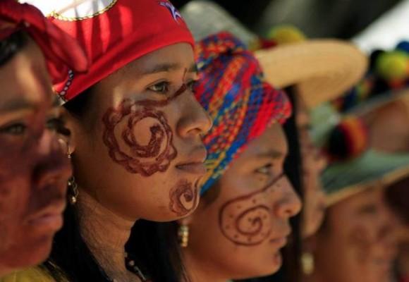 Con hambre y sed, los Wayúu reciben a Santos