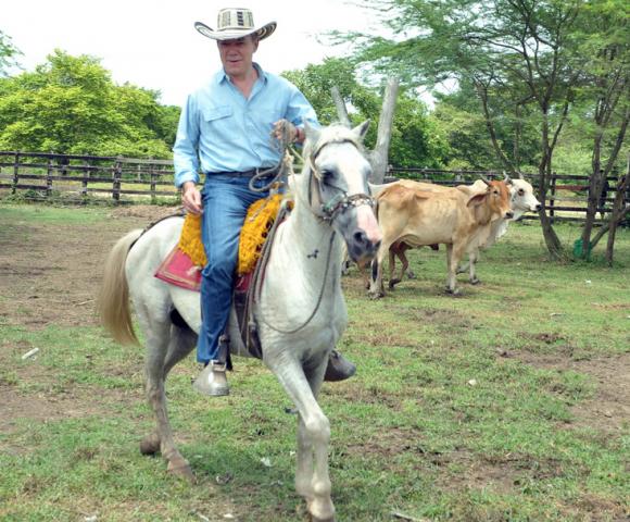 """""""La restitución de tierras de Santos no cabalga muy bien"""", dice uno de los reclamantes"""