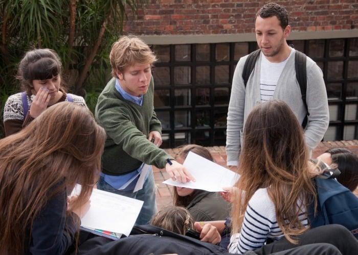 ¿Jóvenes asistirán a conversaciones en La Habana?