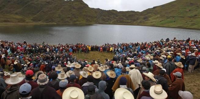 Mineros-en-Cajamarca-e1322436376290-655x326