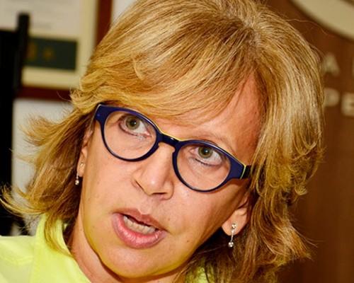 La ministra Cecilia Álvarez no quiere que se vayan los coches del centro histórico de Cartagena