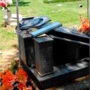 Profanada la tumba de Diomedes Díaz