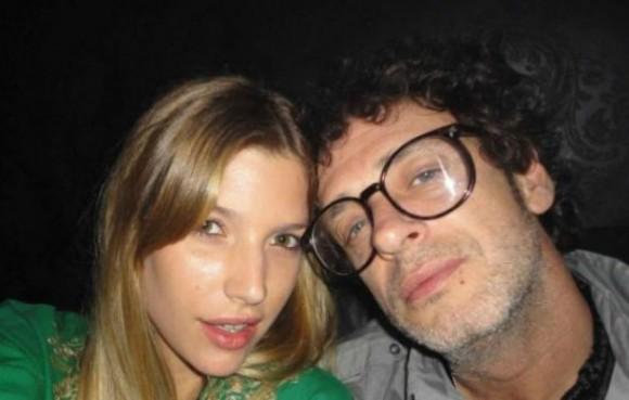 La familia de Cerati en algún momento levantó la sospecha que el cantante por satisfacer a la jovencita Chloé Bello, comenzó a mezclar Viagra y dorgas.