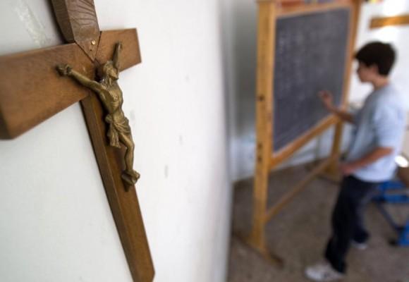 ¿La escuela colombiana nos obliga a ser católicos?