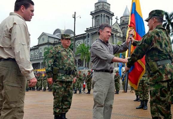 Juan Carlos Pinzón, un general sin soles