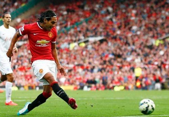 VIDEO: Falcao marca su primer gol con el Manchester United