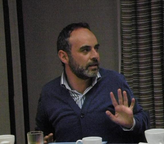 Leonardo González, de Indepaz, llamó la atención sobre la necesidad de incluir el tema del agua en la propuesta, y la relación de la minería con los procesos de restitución de tierras.