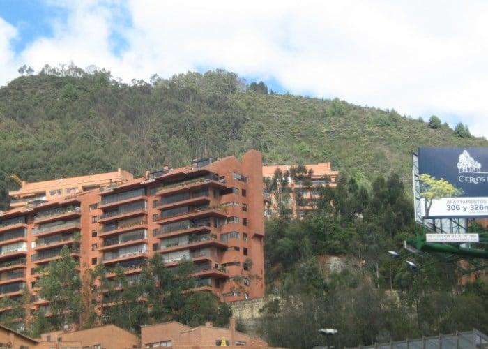 Depredando los Cerros Orientales de Bogotá