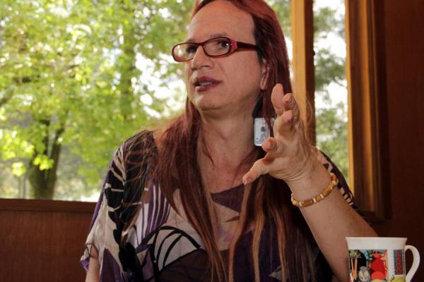 El Instituto Alexander von Humboldt dirigido por Brigitte Baptiste ha hecho importantes aportes para la conservación de los Páramos en Colombia a través de mapas y estudios.