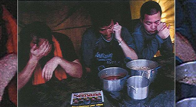 Cuatro trabajadores chinos fueron secuestrados en 2011 en la vía San Vicente a Los Pozos. Fueron liberados 17 meses después. Crédito: Semana