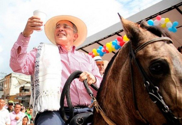 La mentalidad esclavista de Álvaro Uribe