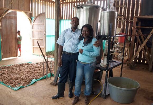 En esta fábrica de madera en el Chocó se produce un remedio para el colon