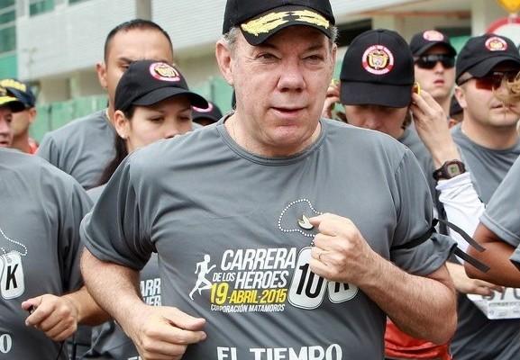 Video: Santos se fue abucheado de la carrera por los Héroes Caídos