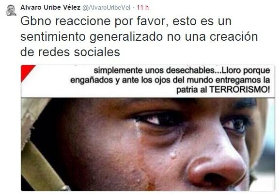 La falsa foto con la que Uribe hace política con las lágrimas de los militares