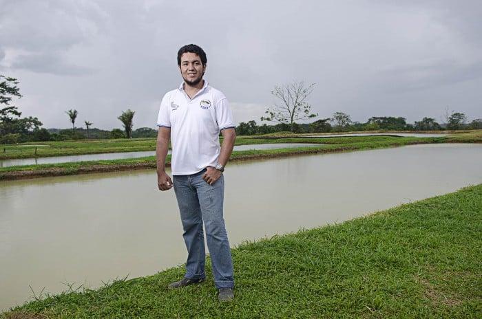 Hernán Camilo Ramos, director del proyecto del cultivo de arawana – Fotografía: Camilo Rozo