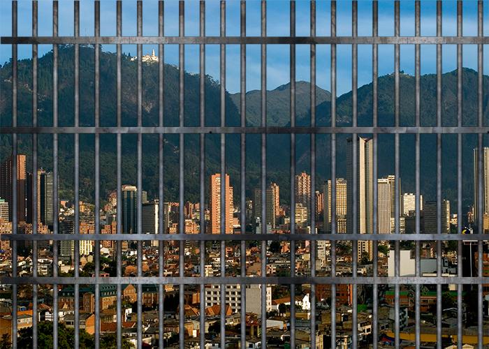 Bogotá: ciudad enrejada y enjaulada