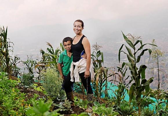 Están sembrando cosas en las calles de Medellín