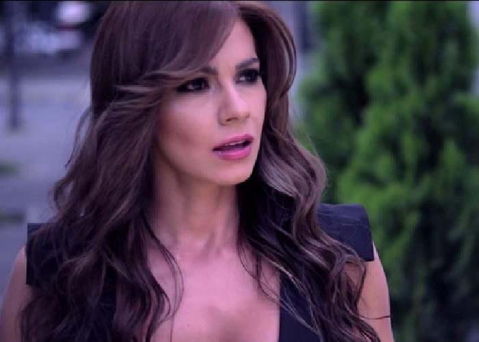 Esperanza Gomez Videos Nuevos