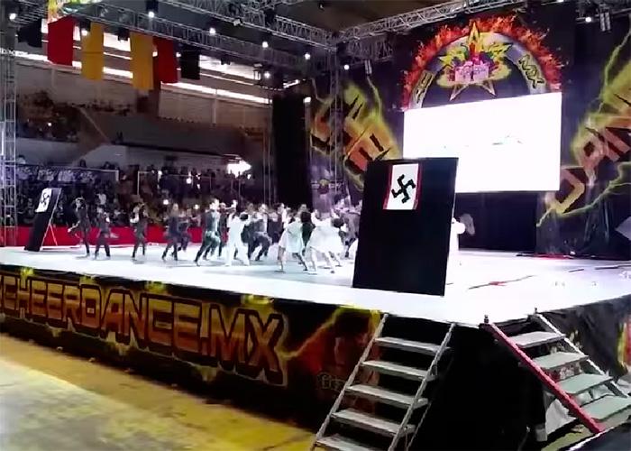 Coreografía nazi desata polémica en México